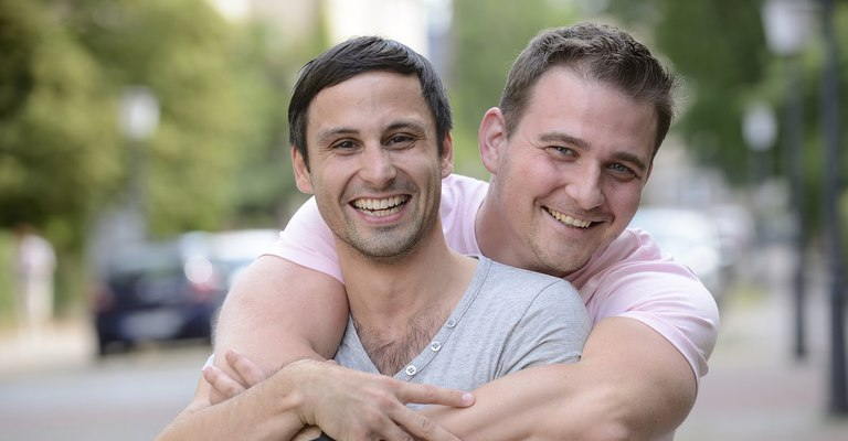 The reviews are out - best gay dating app